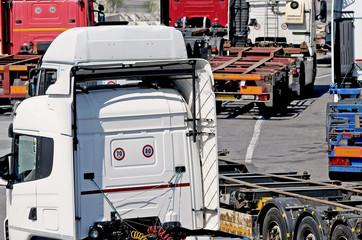 trucks traffic