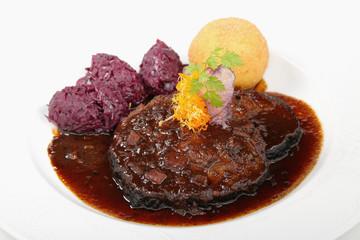 sauerbraten/schmorbraten,kartoffelknödel,rotkohl