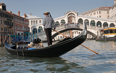 Photo sur Aluminium Gondoles Gondolier, Rialto Bridge, Grand Canal, Venice, Italy