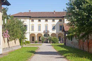 Gaggiano (Milan), historic villa