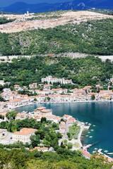 Bakar mit Blick auf die Autobahnbaustelle (Kroatien)