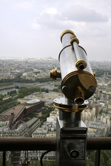 Telescope to observe Paris buildings