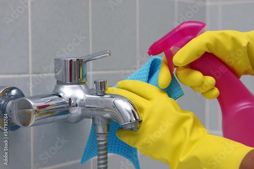 Badezimmer putzen\