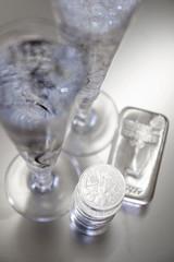 Anstossen auf erfolgreiches Investment in Silber