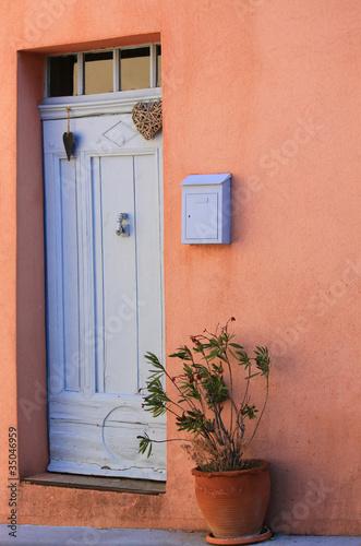 alte eingangst r oder kontrast terracotta grau stockfotos und lizenzfreie bilder auf fotolia. Black Bedroom Furniture Sets. Home Design Ideas