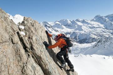 Alpinist im Hochgebirge