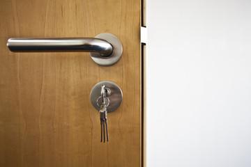 Tür mit Schlüssel  © Matthias Bühner