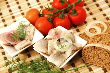 Brot , Tomaten , Fischhappen