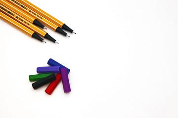 Kalemler ve Kapaklar 2