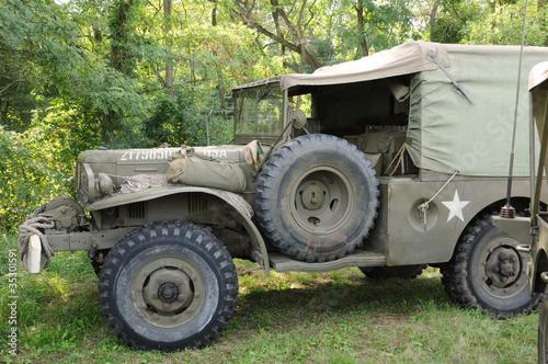 camion militaire am ricain ancien photo libre de droits sur la banque d 39 images. Black Bedroom Furniture Sets. Home Design Ideas