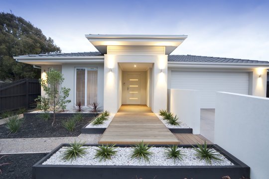 White contemporary house exterior