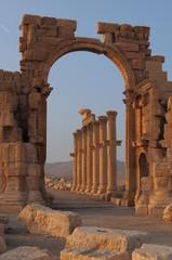 Вход в храм. Пальмира. Сирия