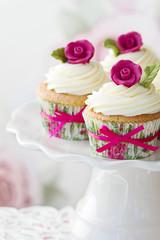 Wall Mural - Rose cupcakes