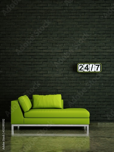 wohndesign gr nes sofa vor klinkerwand stockfotos und. Black Bedroom Furniture Sets. Home Design Ideas