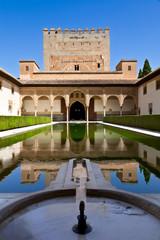Wall Mural - Alhambra de Granada. Patio de Arrayanes y Torre de Comares