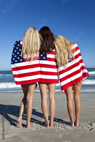 photos of girls jumping wrapped in american flag № 13412
