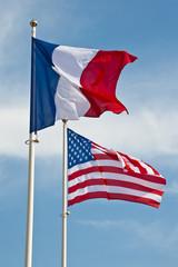 Drapeaux français et américains
