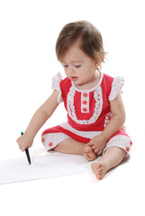 Kalemle çizim yapan bebek 1