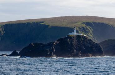 Leuchtturm vor den Shetlandinseln