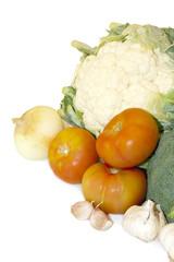 verduras frescas aisladas en fondo blanco