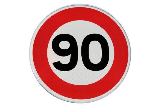 Panneau de limitation de vitesse à 90 km/h