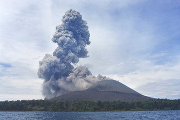 Volcano eruption. Anak Krakatau Fototapete