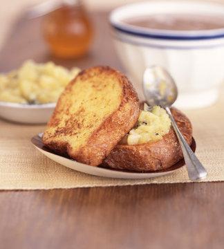 Brioche façon pain perdu à la compote de pomme poire kiwi