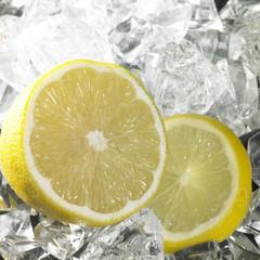 Foto op Canvas In het ijs citrus fruits and ice