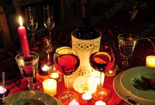romantischer abend tisch kerzenschein stockfotos und lizenzfreie bilder auf bild. Black Bedroom Furniture Sets. Home Design Ideas