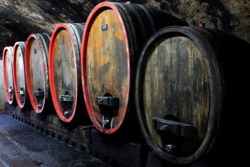 Wall Mural - Weinkeller, Rotwein im Barrique Faß ausgebaut, Eichenfässer