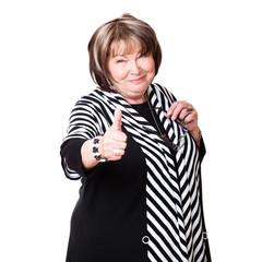 Seniorin zeigt Top-Daumen
