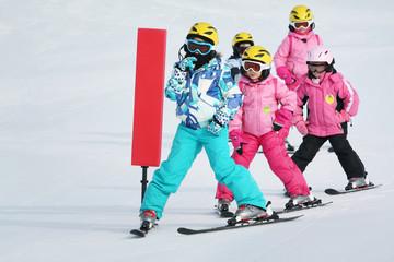 girls on the ski