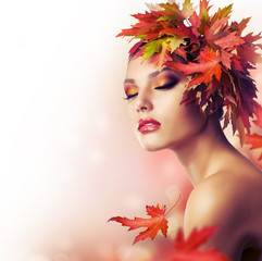 Autumn Woman. Beautiful makeup