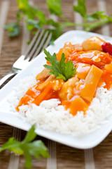 Hähnchen süß sauer mit Reis
