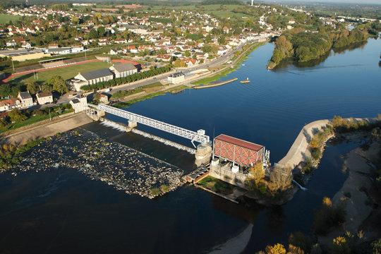 Barrage électrique de Saint-Leger-des-Vignes
