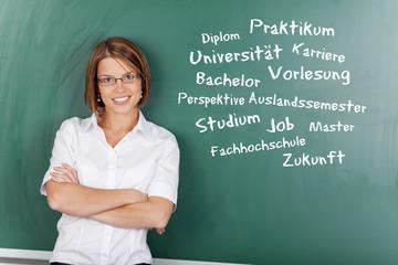 studentin mit begriffen zum studium