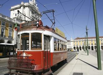 Sightseeing tram in Lissabon