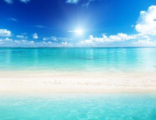 Photo sur Plexiglas Turquoise sea and sand