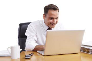Business, Mann, am Arbeitsplatz 09, editieren
