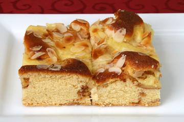 Bratapfelkuchenstücke