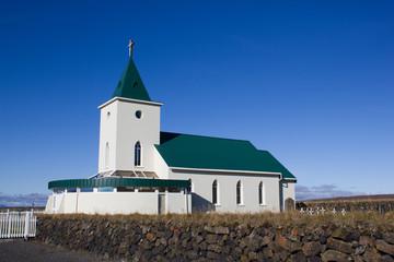 Kirche von Reykjalid in Island
