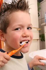 Zähne putzen 3