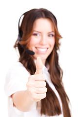 junge Frau mit Headset und Daumen Hoch Geste