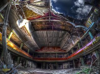 Fototapete - abandoned theater