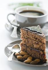 Piernik i filiżanka kawy