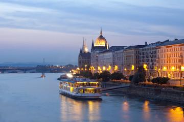 Keuken foto achterwand Boedapest Night view of Budapest