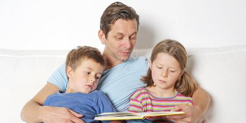 Papa liest vor