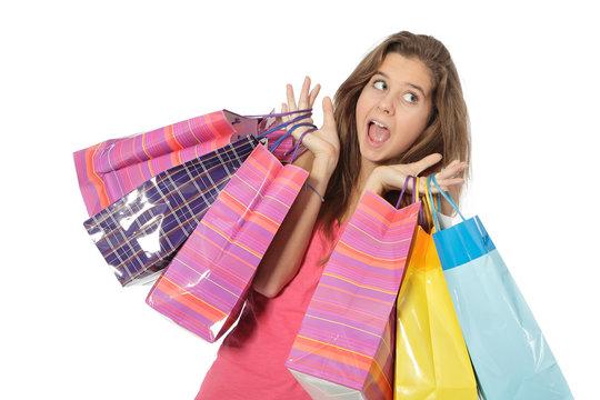 joyeuse adolescente avec des sacs