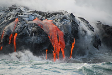 Fotobehang Vulkaan Multiple Lava Flows, Ocean, Steam, close up
