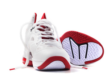 basketball shoes one lay down